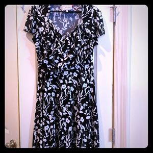 Leota sweetheart dress in black and white floral